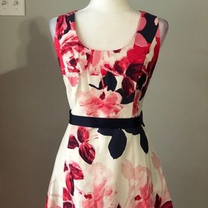 NWT SIGNATURE Floral Sleeveless Dress